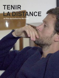 Tenir la distance